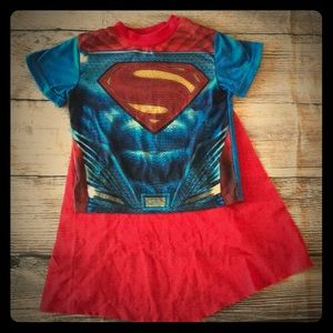 Superman shirt w/removable cape